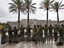 Israeli Border Policewomen at Old Citty walls in Jerusalem