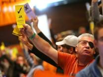 Die Piraten stimmen auf ihrem Parteitag in Bochum für ein Wirtschaftsprogramm