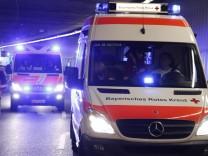 Krankenwagen, Martinshorn, Notarzt, Blaulicht