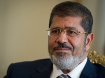 Mursi will mit Richtern ueber seine Dekrete sprechen