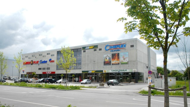 Neufahrn Cineplex Ankündigung von Paul Fläxl