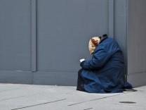 Armutsbericht geschönt - Obdachlose Frankfurt Armut