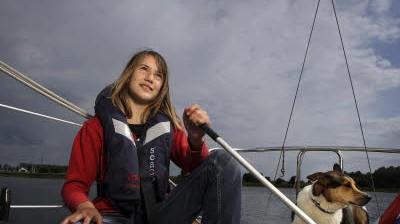 13-jährige Seglerin