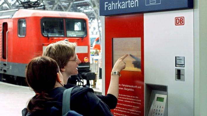 Deutsche Bahn hebt Preise im Fern- und Nahverkehr an, 2005