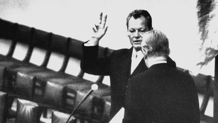 Willy Brandt bei der Vereidigung zum Bundeskanzler, 1969