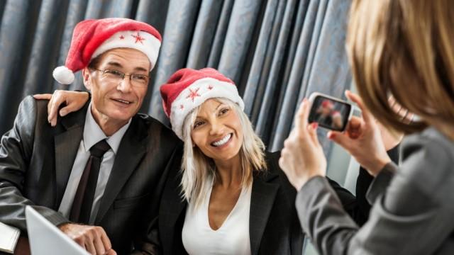 Weihnachtsfeier: Party machen mit dem Chef