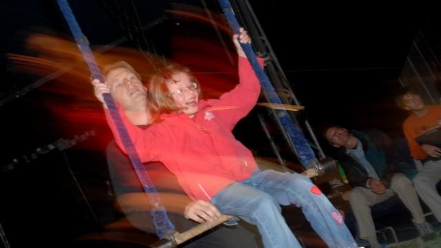 Blinde und sehbehinderte Kinder im Zirkus Manege, 2006