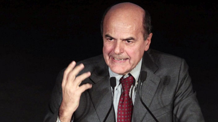 Democratic Party leader Bersani speaks as he celebrates his victory in Rome