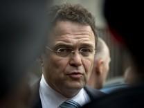 Bundesinnenminister Hans-Peter Friedrich  NPD Verbotsverfahren