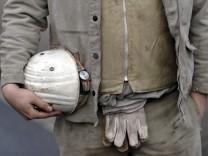 Bundesarbeitsministerin von der Leyen will Kurzarbeitergeld derzeit nicht ausweiten
