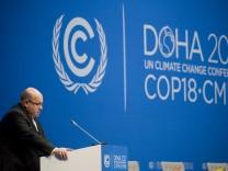 Bundesumweltminister Peter Altmaier (CDU) spricht in Doha, der Hauptstadt von Katar, auf der UN-Klimakonferenz. Altmaier fordert mehr Anstrengungen beim Klimaschutz.