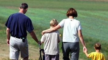 adoption; stiefelter; kinder; minderjährige; eltern; familie