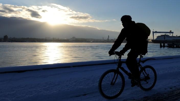 Radfahrer sind im Straßenverkehr weniger gefährdet als Autofahrer.
