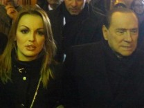 Berlusconi to run for Prime Minister
