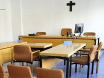 Kreuz vor Gericht