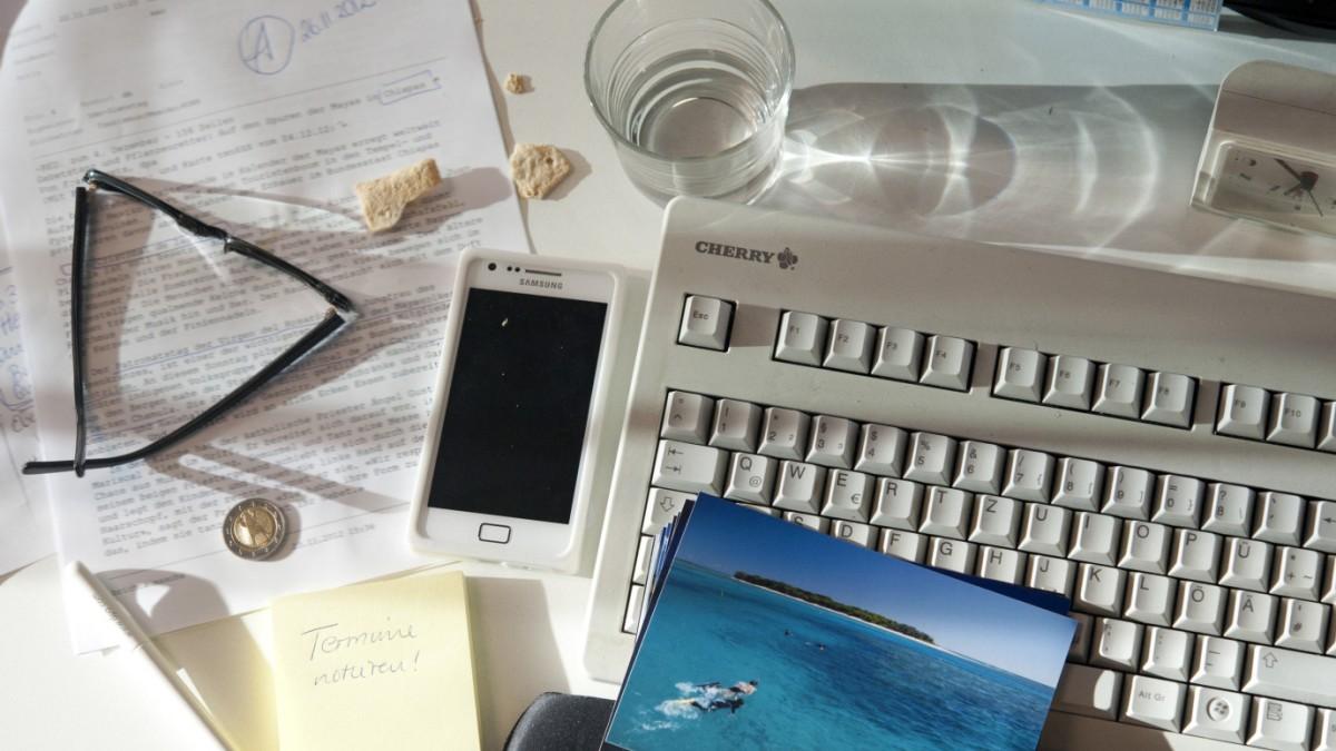 Chaos Auf Dem Schreibtisch So Lernen Buro Messies Ordnung