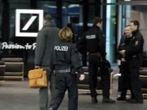 Polizeieinsatz bei Deutscher Bank