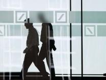 Vorwürfe gegen Mitarbeiter und Manager der Deutschen Bank