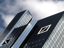 Krisenexperte: Deutsche Bank sollte verdaechtige Mitarbeiter behalten