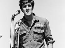 John Kerry spricht bei Antikriegsdemonstration, 1970
