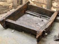 Steinzeit-Brunnen