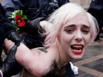 Femen-Protest beim EU-Russland-Gipfel in Brüssel im Dezember 2012.