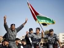 Hamas Polizisten feiern Gaza City Gazastreifen Israel