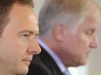 Bayerns Innen-Staatssekretaer Bernd Weiss tritt zurueck