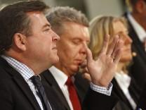 Josef Schmid, Dieter Reiter und Sabine Nallinger bei Podiumsdiskussion in München, 2012