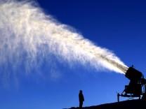 In höheren Lagen haben die Beschneiungsanlagen beste Dienste geleistet. Doch die Schneekanonen sorge oftmals für andere Probleme.
