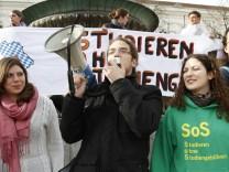 """Bündnis """"SOS - Studieren ohne Studiengebühren"""" demonstriert in München, 2012"""