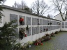 Urnenwand am Friedhof Vaterstetten
