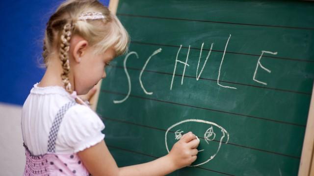 Kultusministerin informiert über Start ins neue Schuljahr