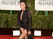 Eva Longoria Golden Globes Roter Teppich Outfits