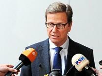 Westerwelle spricht über Unterstützung von Mali