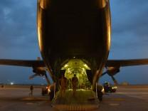 Berlin prüft Entsendung von vier Transall für Mali