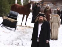 """Gérard Depardieu in """"Rasputin - Hellseher der Zarin"""""""