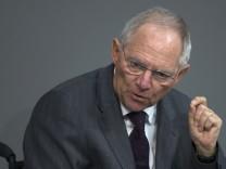 Attacken auf Vorgänger Steinbrück: Schäuble während seiner Rede im Bundestag