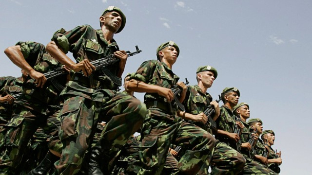 File photo of members of the Algerian special forces attending a training in Biskra, south of Algiers