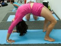 Yoga ist auch in München voll im Trend: Die Yoga-Messe in Freimann ist deshalb ein großer Erfolg.