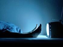 nachts fernsehen space night