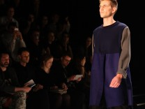 Vladimir Karaleev, Mary Scherpe bei der Fashion Week Berlin