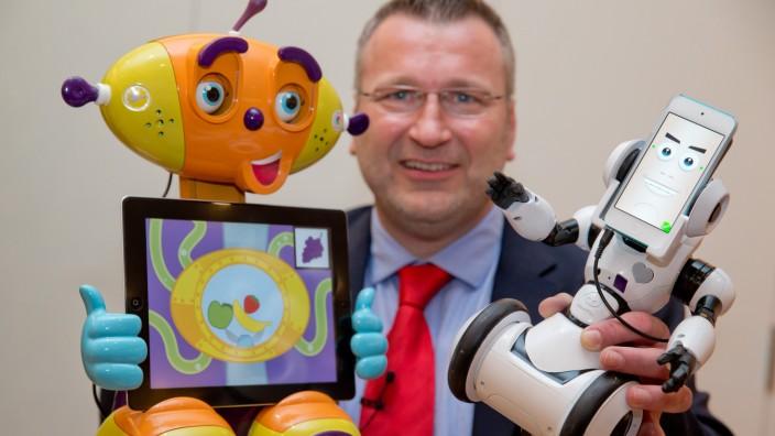 Spielwaren, Spielwarenmesse. Roboter. Andreas Schäfer