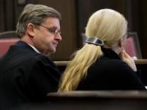 Prozessauftakt gegen Narkoseärztin nach Tod von 'Sexy Cora'