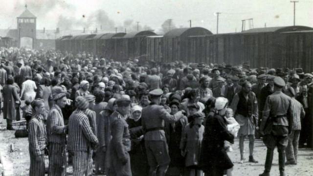 Konzentrationslager KZ Auschwitz Rampe Selektion SS