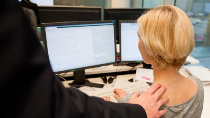 Sexuelle Belästigung am Arbeitsplatz.