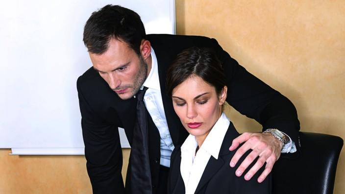 Männer und Frauen im Büro, Arbeit, Sexismus