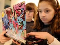 Jugendliche am Computer