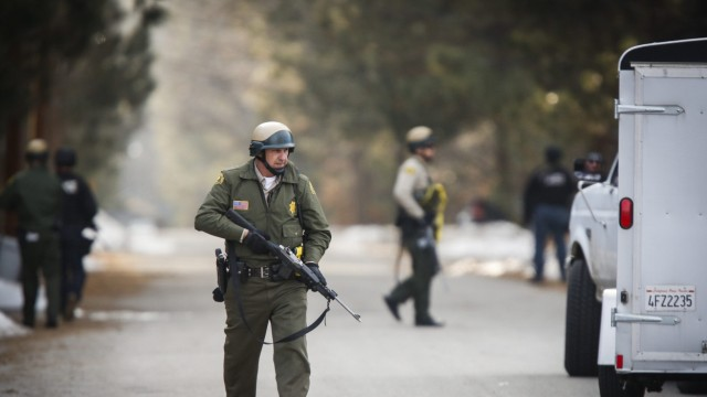 Los Angeles Police Depertment manhunt for murder suspect