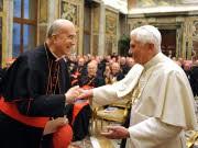 dpa, Bertone, Papst, Benedikt XVI.
